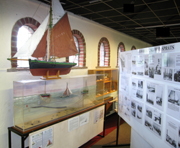 Stowboating model and display in Mersea Museum 2008