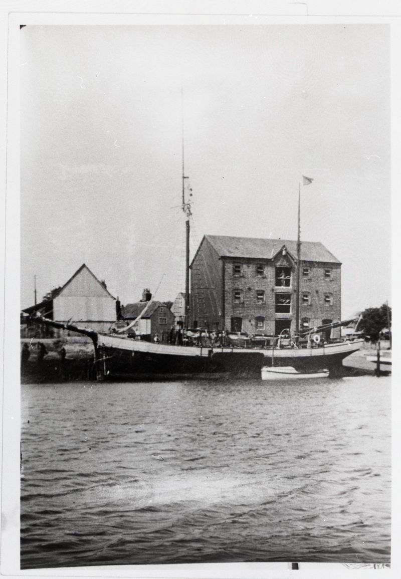 ALEXANDRA, one of the few Poole-built barges, at Newport, Isle of Wight. (G.Archdale/Richard Hugh Perks Collection).