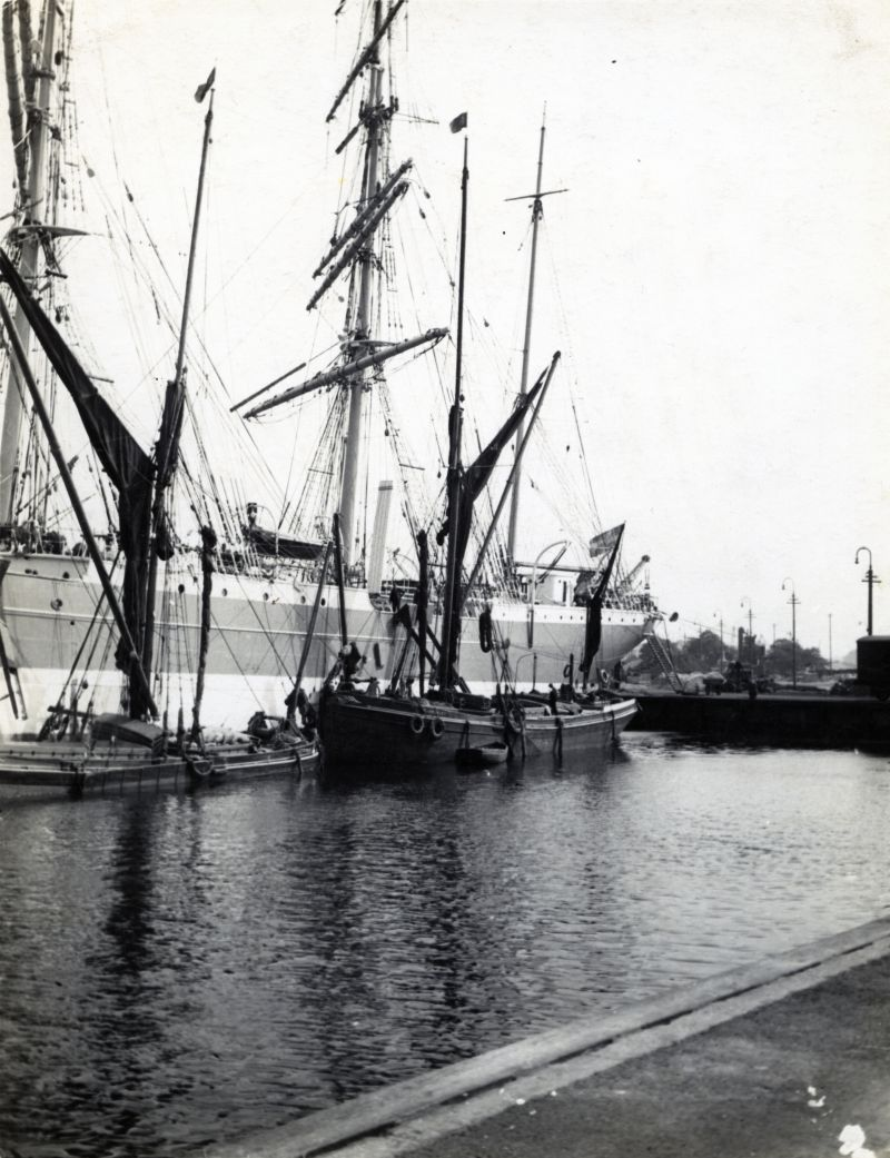 The last commercial square rigger to discharge at Ipswich with the spritsail barges MAY and KIMBERLEY. Photo Arthur Bennett.