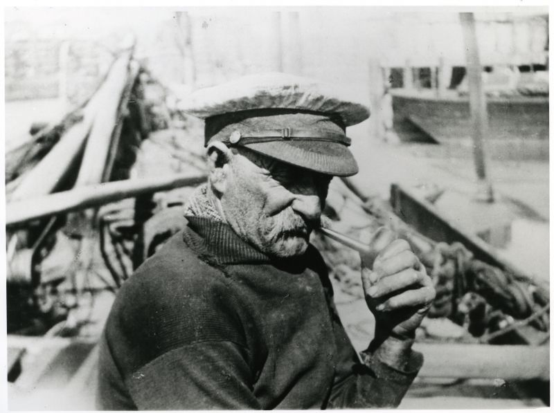 The face of the sailorman. Bill Kirby of Bradwell was skipper of the WATER LILY and one of a noted family of barge owners and skippers from the village. Photo: Arthur Bennett.