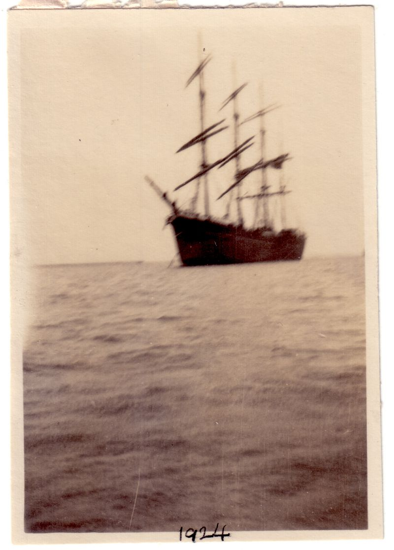 Barque in the River Blackwater. Thought to be GARTHPOOL ex JUTEOPOLIS which was laid up 1922-24 and is reported in