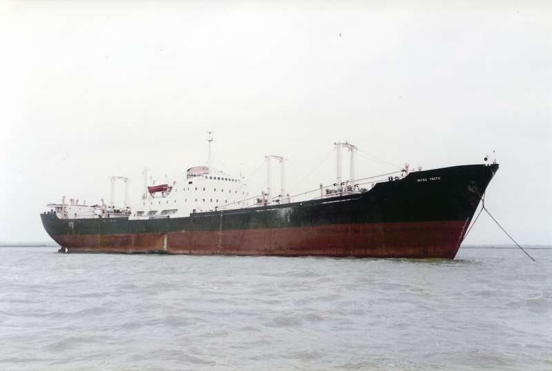 INTRA TRUTH laid up in River Blackwater, 16/10/82. Date: 16 October 1982.