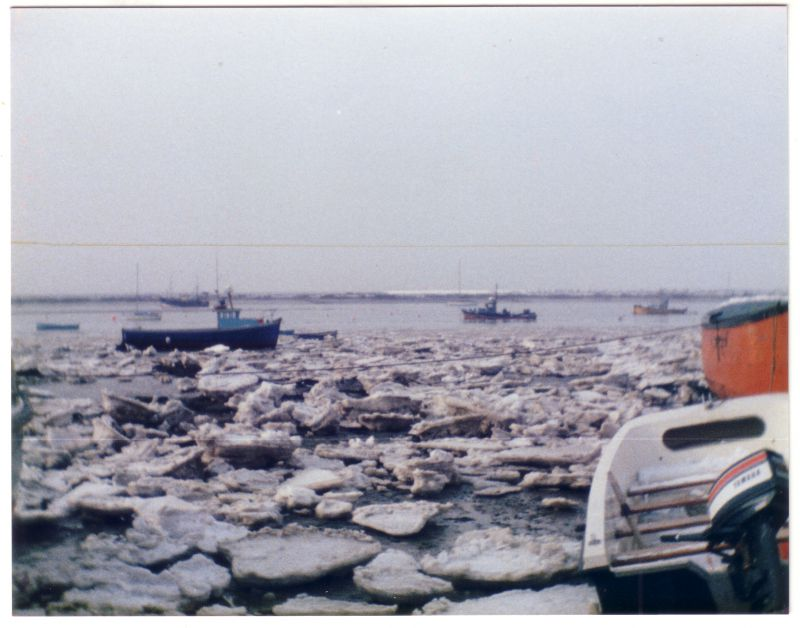 An icy winter, thought to be late 1980s, but 1984 was also a bad winter with a lot of ice in the creeks...