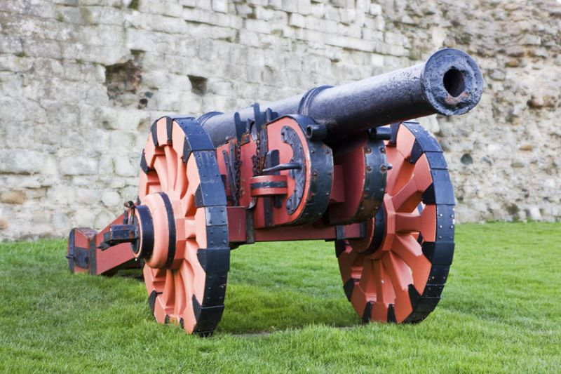 Demi-culverin cannon cast in 1587. Image with thanks to WyrdLight.com. 
