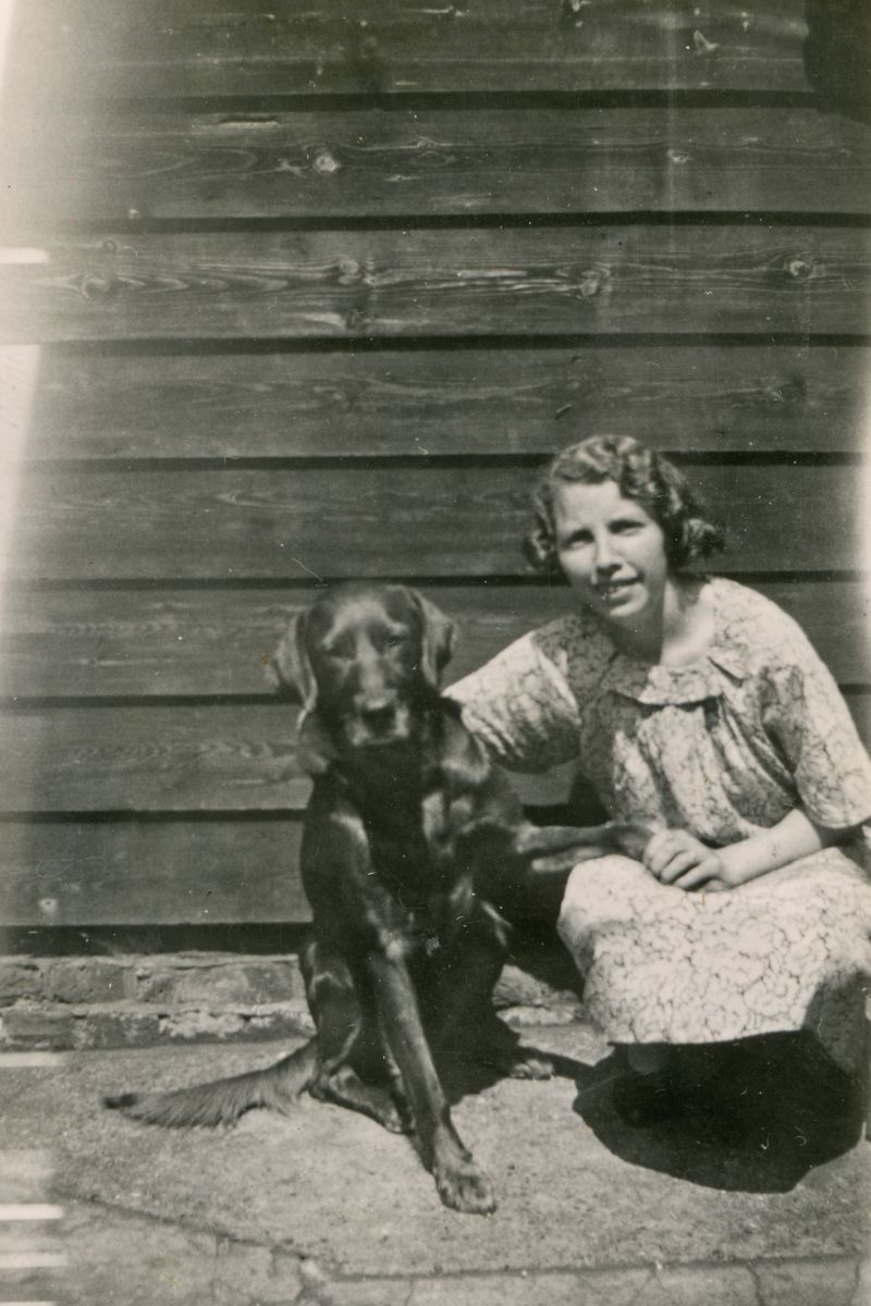 Bessie and Pip. The notes on the back say: