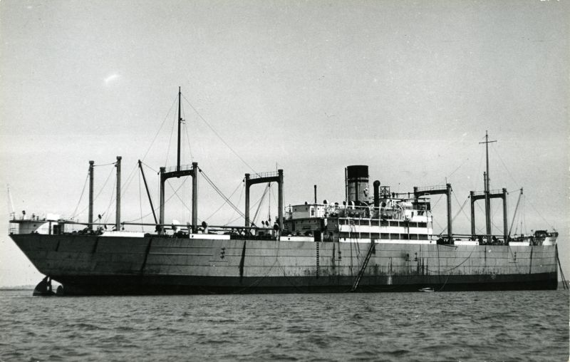 IMPERIAL PRINCE, thought to be whilst laid up in the River Blackwater in the early 1930s. Official No. 146553. She had previously been laid up in the River in 1926 as LONDON MARINER. Date: c1932.