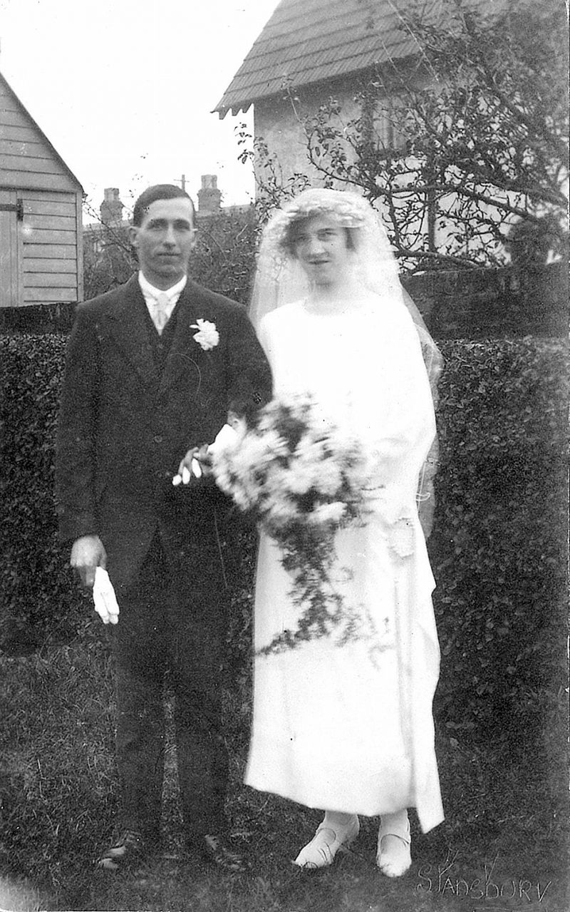 On 15 November 1924 Hartley Oliver Brown, brother of Ethel, father Charles Frederick Brown a retired Police Sergeant, married Hilda Stoker of Riverside House, Coast Road, father William John Stoker. Wedding at the Parish Church, West Mersea. Hartley ran a newsagent's shop in Tiptree. Photograph taken at Riverside.
