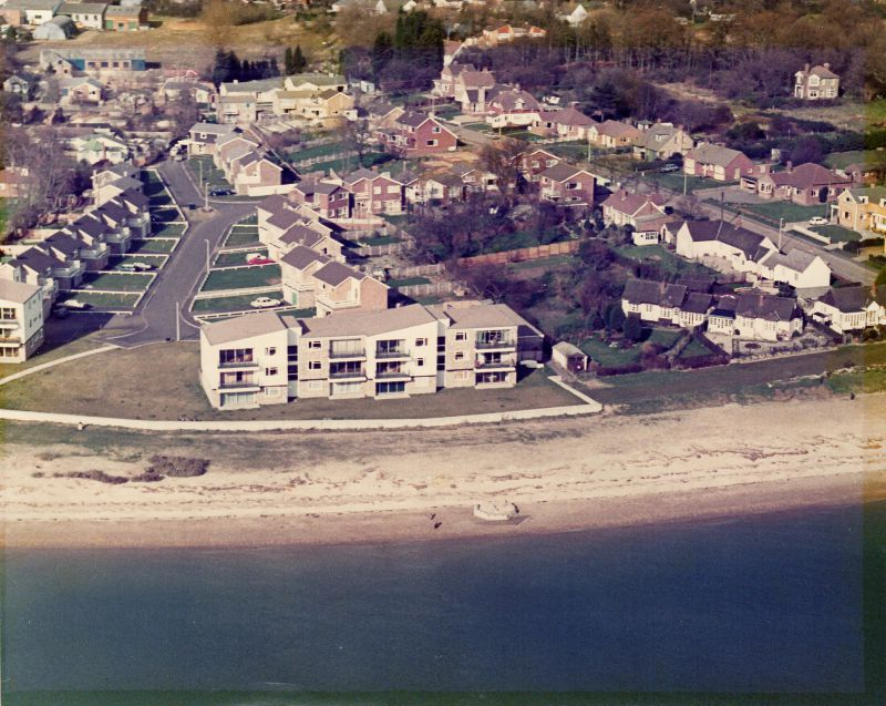 Shears Court and Shears Crescent in the early 1970s. Photograph from Ronnie Fisher, who lived in the top right flat in Shears Court.