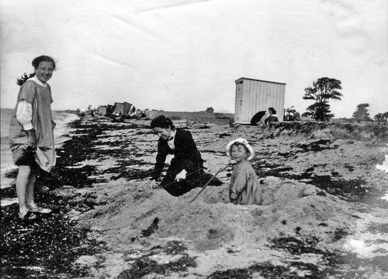 Vera, Emily and Hardie Weaver (in sun hat - born June 1910, so this picture is around 1913 ?). [Emily was wife of Leonard Weaver, mother of Vera (about 1902), Hardie, Ken (1912) and Peter (1916)] 