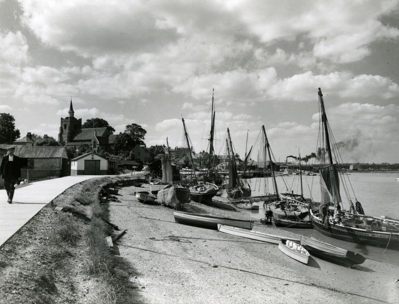 Maldon Hythe on a summer afternoon about 1957.