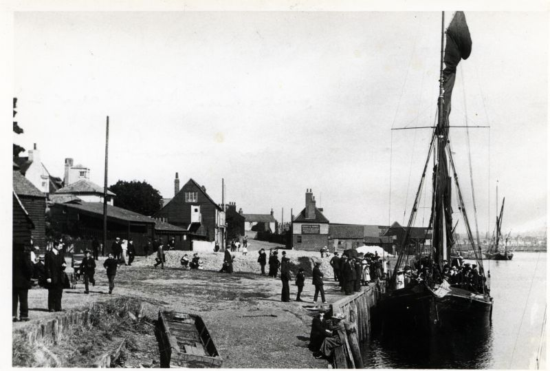 19. ID HBC_006_002 SUNBEAM at Maldon Quay around 1904 embarking the Mayor and Corporation on their annual inspection of the Blackwater.