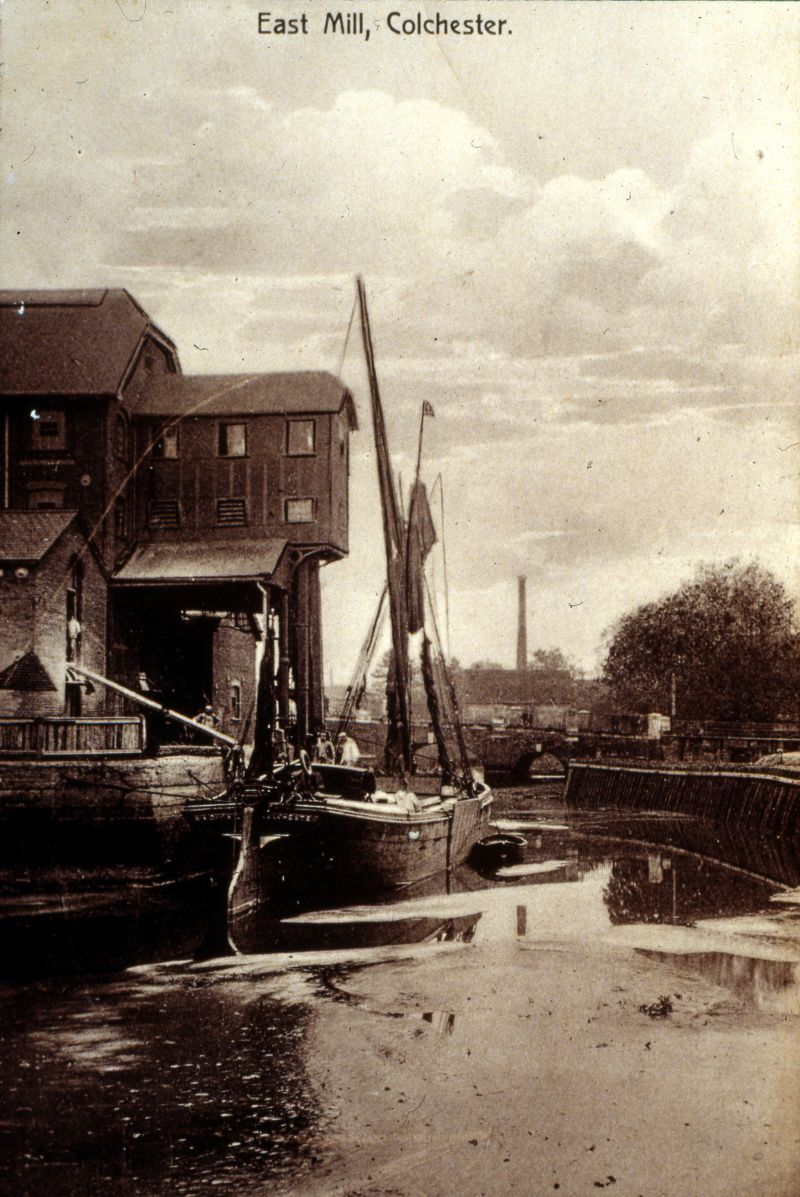 Barge MAID OF THE MILL at East Mills, Colchester 