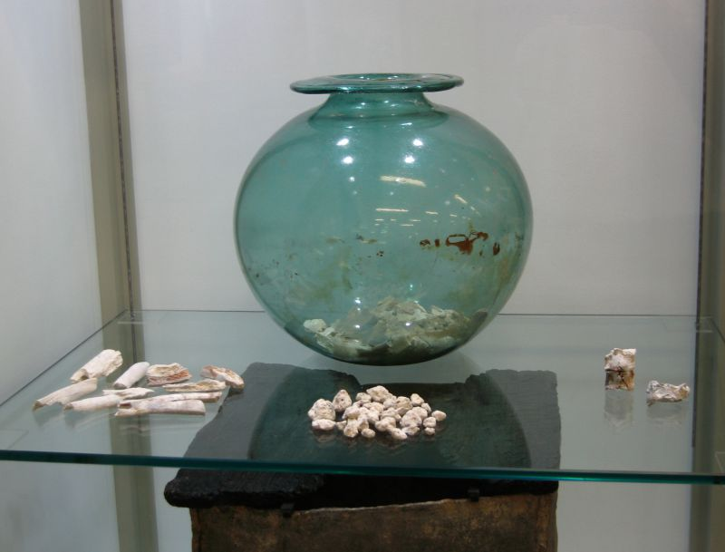 Mersea Barrow - urn and bones in Mersea Museum