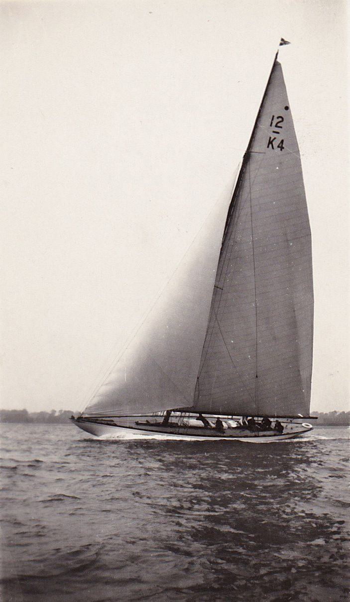 Tollesbury yachting. 12 metre K4.