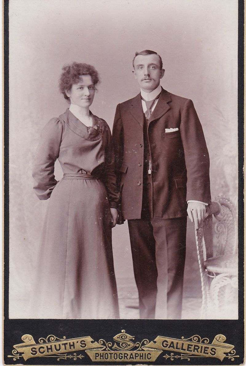 Robert and Amelia Appleton. Robert was born 1879 and married Amelia Hannah Batten in 1904. He died in 1953.