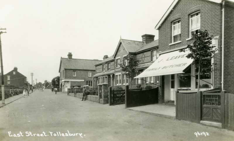 East Street, Tollesbury. facing west. Postcard 96192. 