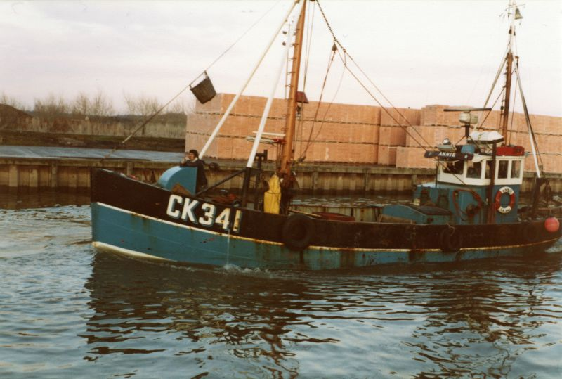 Landing sprats at Colchester Hythe - CK341 ANNIE. A former Dutch fishing boat, owned at Mersea between March 1980 and May 1985 by Douglas Stoker and Trevor Mole. 