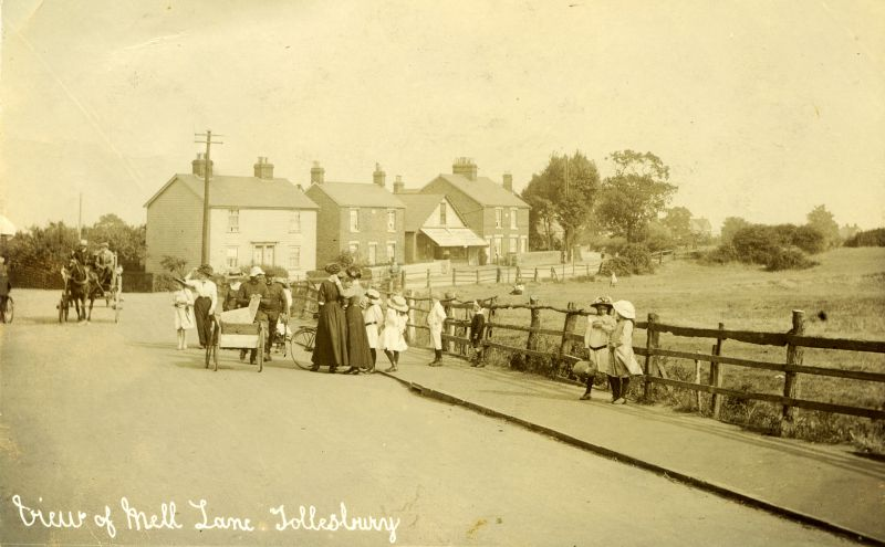 View of Mell Lane, Tollesbury. Postcard by T. Hammond, addressed to Mrs S. Gurton, Ferndale, New Road, Tollesbury from 'Wavelet'.
