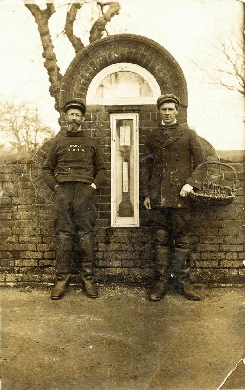 1924 'Billy Oak' Hewes and Titus Mussett. Billy was Harry Mussett's great grandfather and was named 'Oak' after the smack. 
