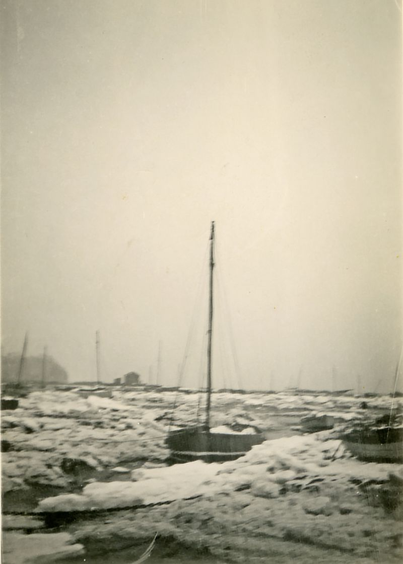 Saltings at West Mersea in the icy winter of 1940. 