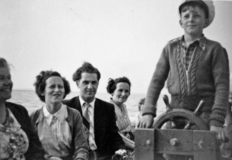 A trip on PEDRO. L-R Mary Wright, Vicky Watling née Negus, Dave Watling, unknown, Alan Smith at the wheel. 
