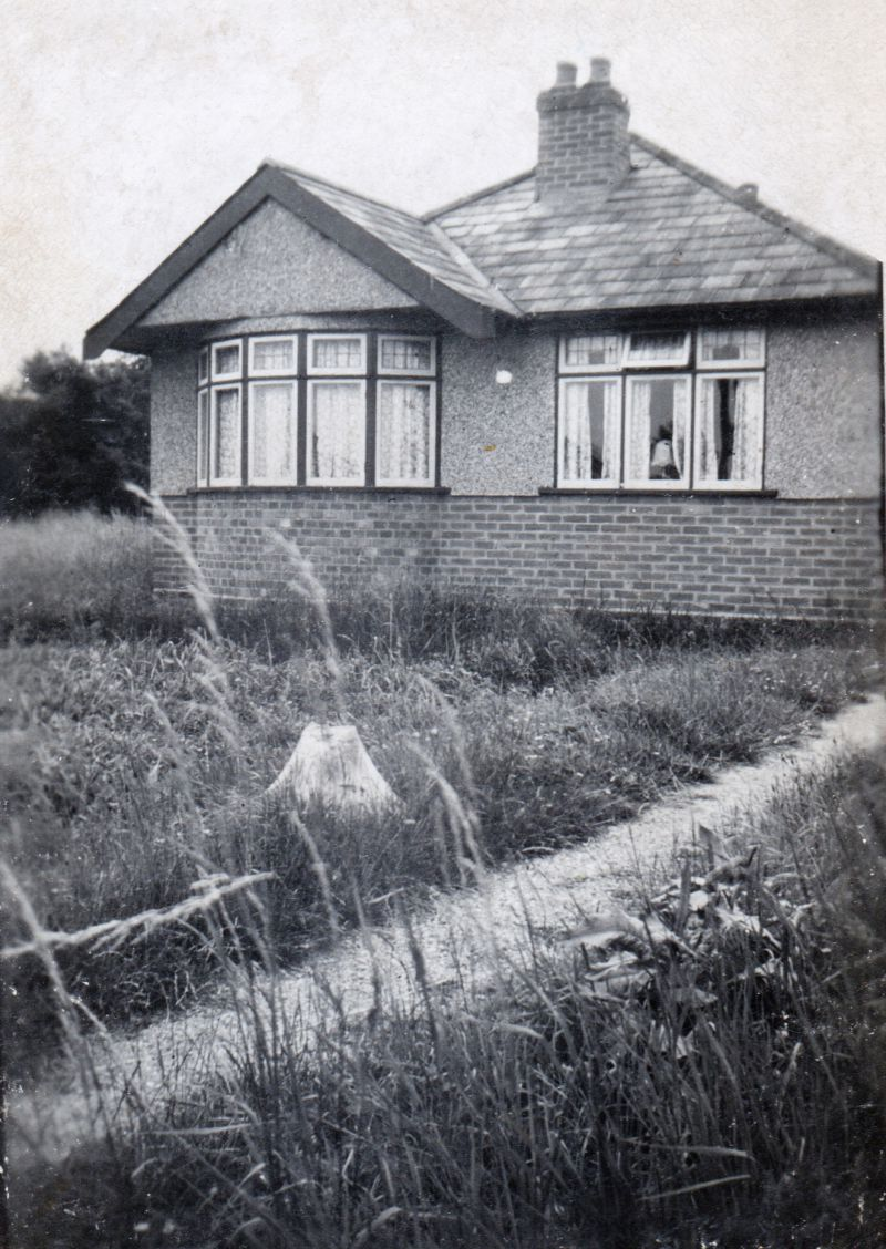 6. ID GWC_021 Ernest and Kate Wyncoll had the bungalow, Goodwyn, built on the Mersea Road, Peldon, the name being an amalgam of their names Goody and Wyncoll. Later their ...