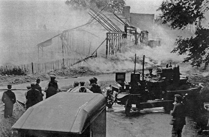 Peldon fire. Malting Farm. The Fire Engine is NO48. - registrations dated 1921 - 1923. 