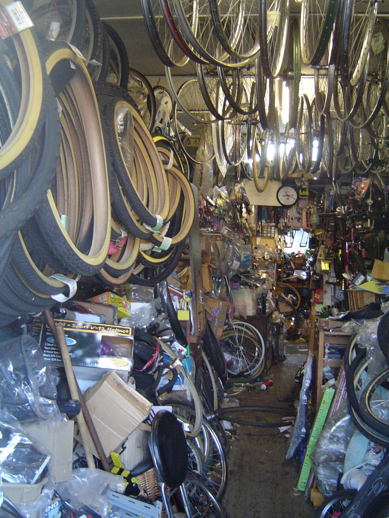 R&A Cycle Shop in Barfield Road, run by Paul Davies. 