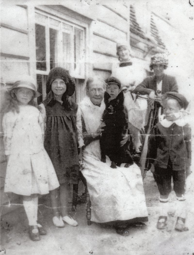 Front L-R 1. Gladys Green, 2. Stella Mole, 3. Granny Hewes, 4. Louis Green, Claude Green