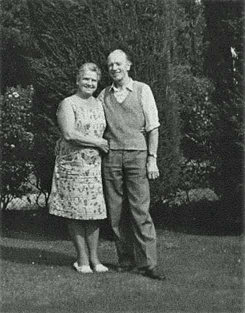 Winifred and George Saunders Smith in their garden at West Mersea in the 1960s. 