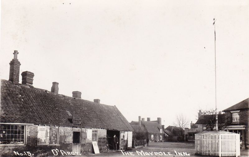 The Maypole Inn, Tolleshunt D'Arcy. Postcard No.15. 