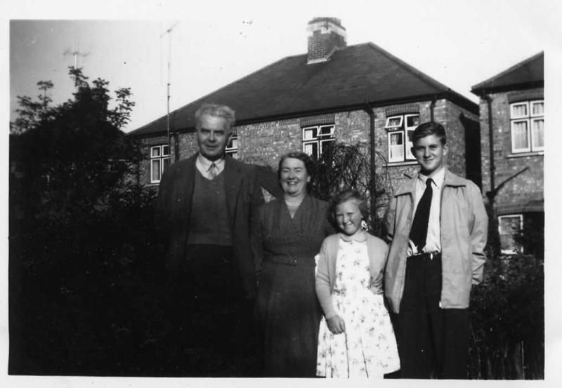 Ern, Muriel, Gill & Rob. From Muriel Butcher then Titford (née Pullen). 