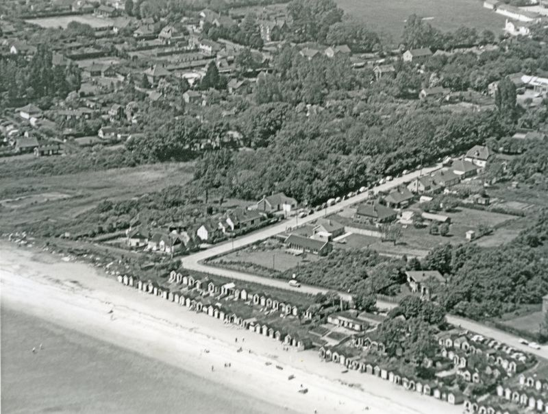 96. ID JBA_654 Jack Botham aerial photograph 3212. Victoria Esplanade, Broomhills Road, Spinney Cafe. Boating Lake on the left.
