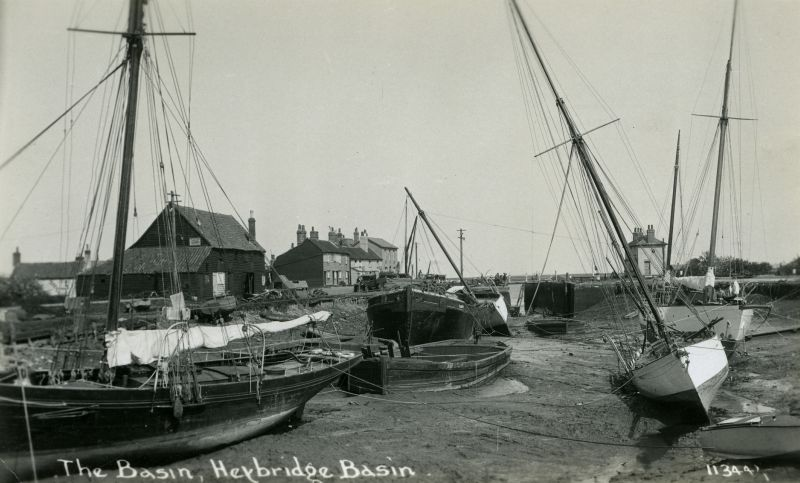 Heybridge Basin drained - the barge UNITY to the left of the lock. The remains of the UNITY are in Sampsons Creek and her wheel was rescued by John Milgate and has been used in Mersea Museum displays. 