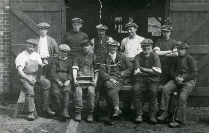 1925 Clifford White brickworkers. 