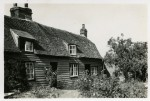 8. ID IA003722 Cottages by the Church, Salcott, Essex. Photo thought to be between 1935 and 1960. One of the cottages was lived in by Nancy Cullum and her mother.