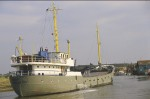 HOOP passing Rowhedge after sailing from Colchester.